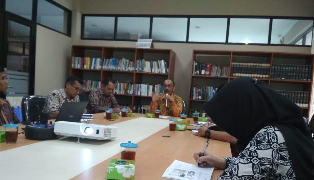 Kepala Dinas Kominfo DIY Ir. Rony Primanto Hari, MT memimpin rapat kerja IKP, Jum'at (22/11)
